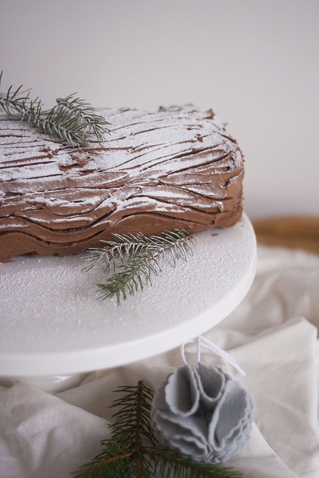 chocolate chestnut yule log 2.jpg