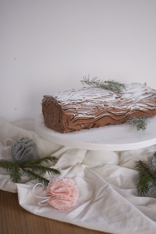 chocolate chestnut yule log 1.jpg
