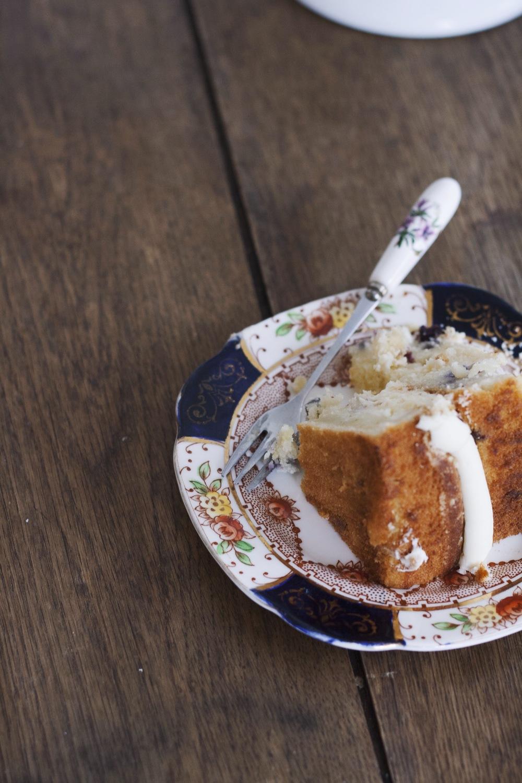 Blueberry Cream Cheese Crumble Cake //The Cake Hunter