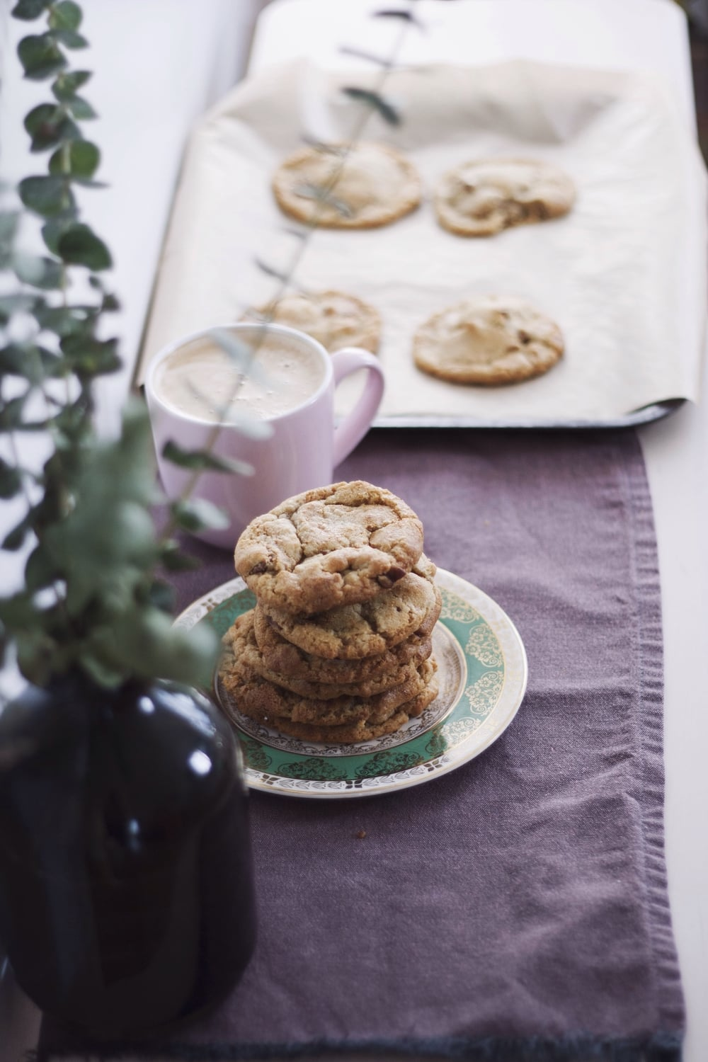 Caramelised White Chocolate and Pecan Cookies // The Cake Hunter