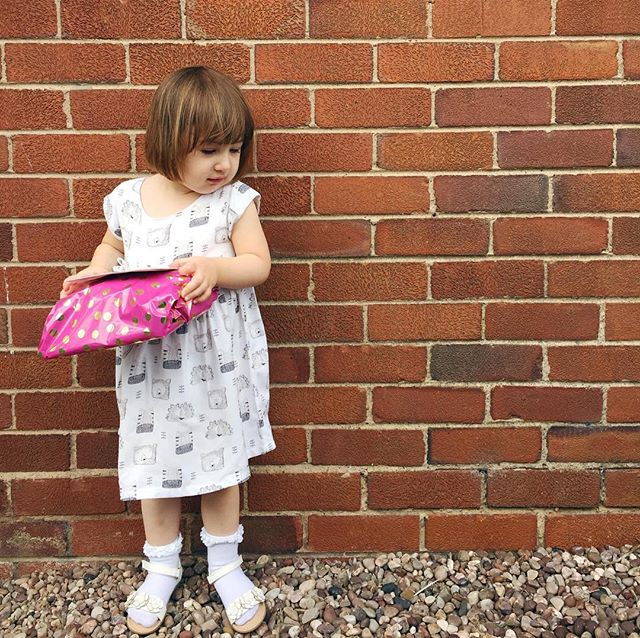 She has friends at nursery now which means party invitations...which means me scrambling for wrapping paper ten minutes before we need to leave the house. I'm that parent. Never prepared 🙄