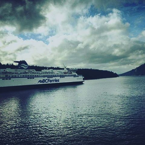 Many of us will be taking this ferry to the mainland tomorrow, some already have...in anticipation of our show this weekend. Ain't a half bad way to travel, we sure do live in a beautiful place! 💙 photo by @saltspringkitchenco ✨ #ssinthecity #igersvancouver #igersvancouver #mainstreetvancouver #eastvan #eastvancouver #bcferries #ferry #bc #explorebc #trulywestcoast #travelblogger #Vancouver #vancitybuzz #tsawwassen #sharethecoast #heritagehall #artisan #yvr #yvrevents #yvrfashion #neverstopexploring #explorecanada #liveyouradventure