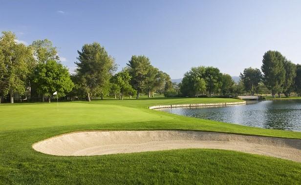 Golf_o.jpg