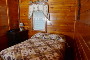 Lucky Horseshoe Cabin #19 - Interior Bedroom.JPG