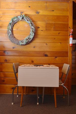 Lucky Horseshoe Cabin #19 - Interior Dining.JPG