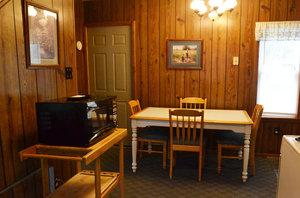 Lucky Horseshoe Cottage #16 - Interior Dining Area.JPG