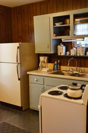 Lucky Horseshoe Cottage #16 - Interior Kitchen Area.JPG