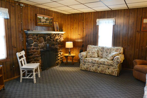 Lucky Horseshoe Cottage #16 - Interior Living Area.JPG