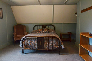 ucky Horseshoe Cottage #16 - Interior Bedroom (1) Full Size Bed.JPG