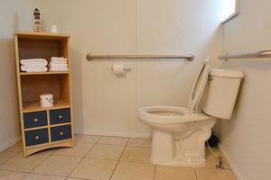 Lucky Horseshoe Room #25 Barrier Free - Interior Bathroom.JPG