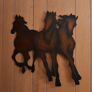 Lucky Horseshoe Room #27 - Interior Decor.JPG