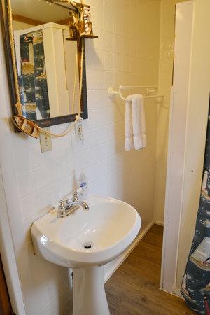 Lucky Horseshoe Room #26 - Interior Bathroom Sink.JPG