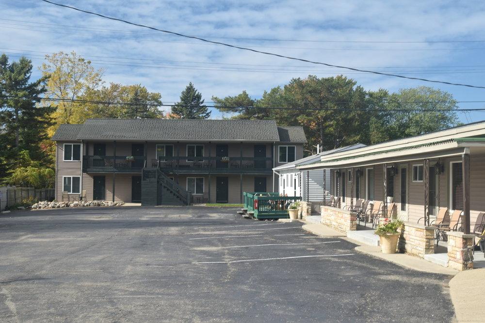 Blue Spruce Motel - Port Austin - Parking Lot.jpeg