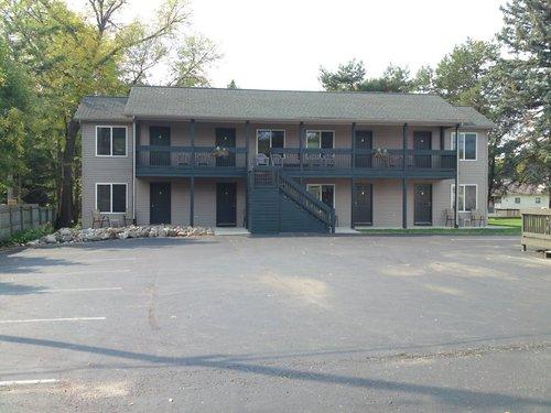 Blue-Spruce-Motel - New Building Exterior.jpeg