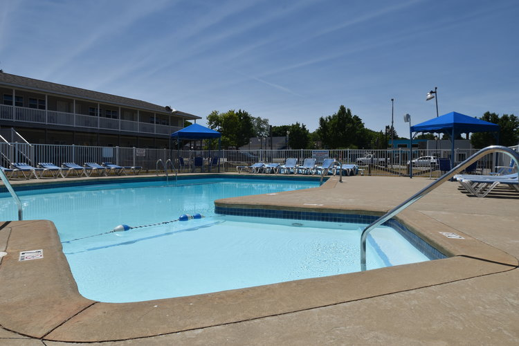 Lakeside Motor Lodge - Only steps away from Lake Huron and right in the heart of downtown Port Austin.