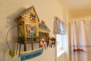 Lucky+Horseshoe+Room+#25+Barrier+Free+-+Interior+Decor.jpeg