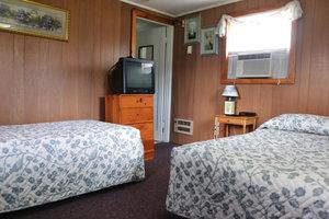 Lucky+Horseshoe+Room+#28+-+Interior+Living+Area.jpeg