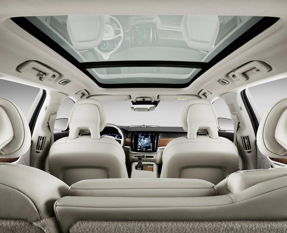 174120_Volvo_V90_Studio_Interior.jpg