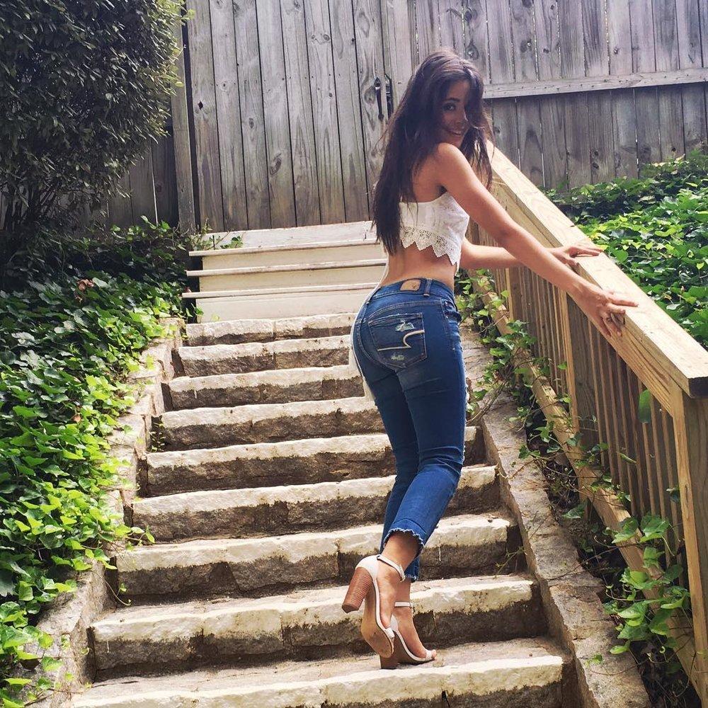Instagram: @camila_cabello