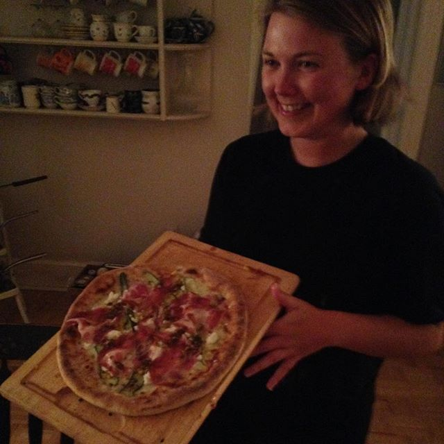 Really sorry about what you guys have to eat, we have @nathaliemarsh cooking MANY custom pizzas #SandyCove #Ipassthekitchenconch in house!