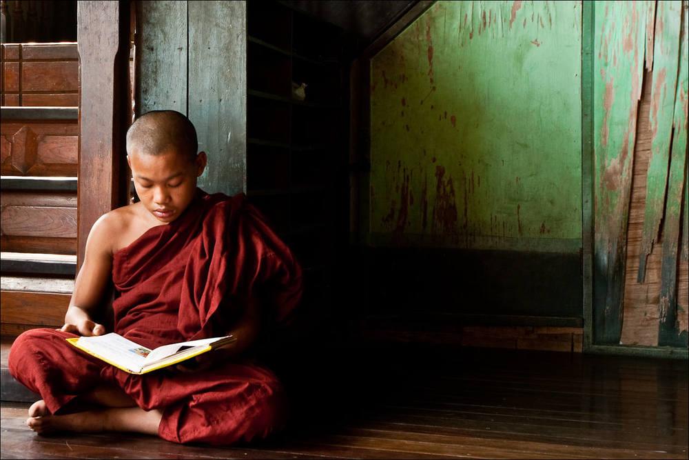 reclining-buddha-monastery-1401.jpg