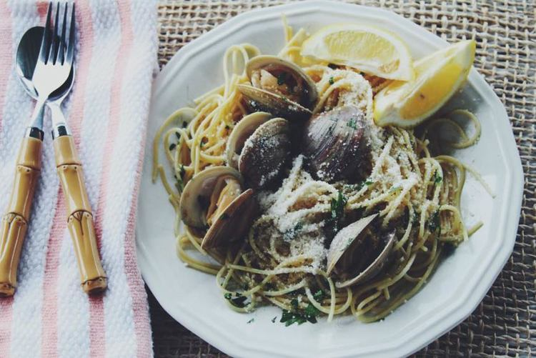 Lemon Spaghetti with Clams