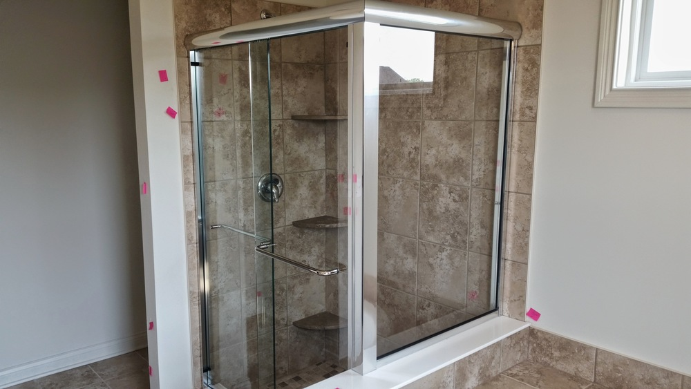 "3/8"" Semi-Frameless Bypass Door w/ Buttress Return Panel"