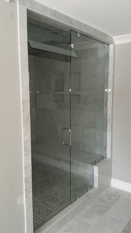 3/8'' Frameless Clear Glass Hinge Door w/ Notch Inline Panel w/ Clamp System & Operable Transom