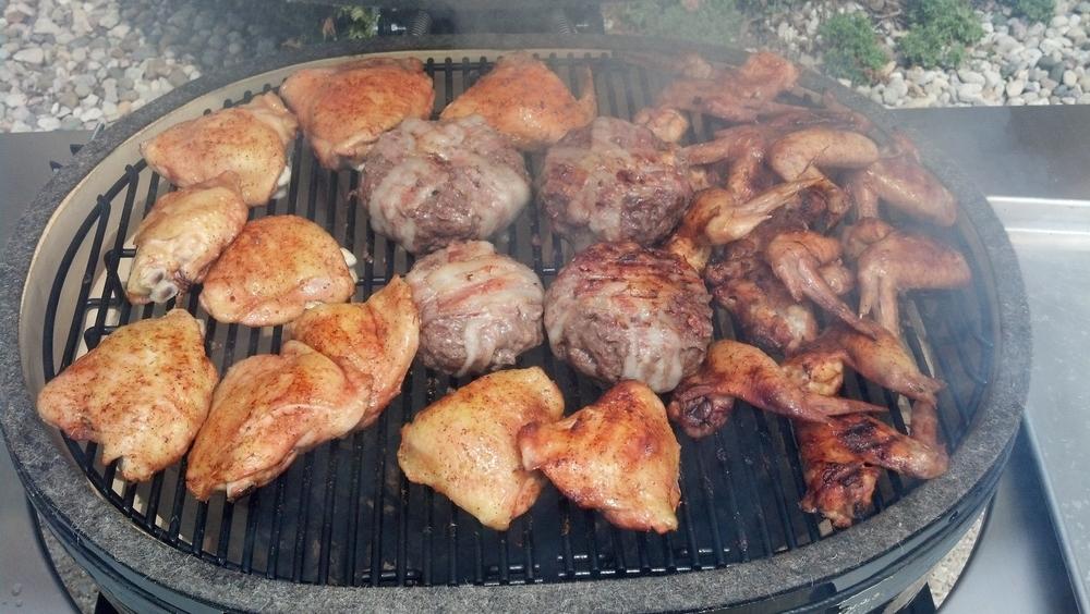 Thighs,+wings+_+Stuffed+Burgers.jpg