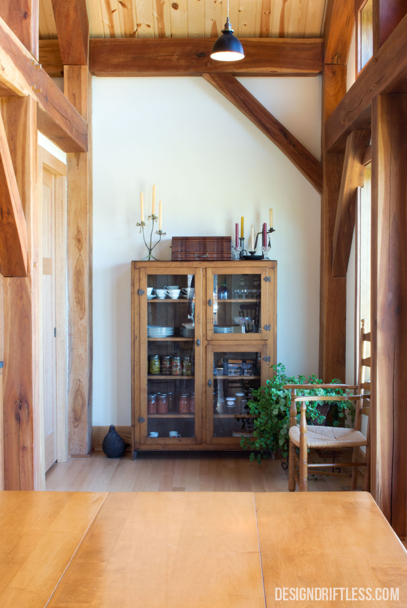 An alcove adjacent to the dining area provides a space for the season's preserves, as well as passage into the pantry
