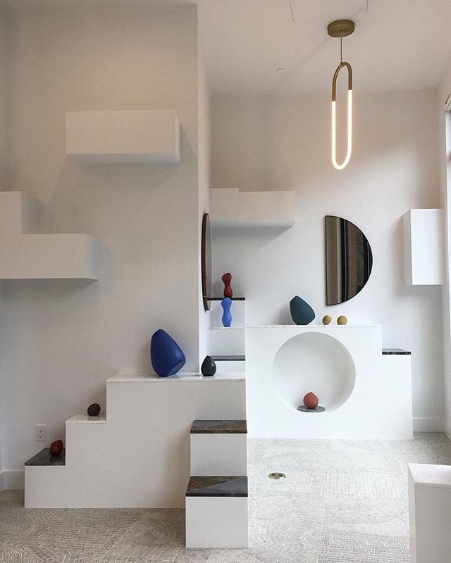 Modernist dreams fulfilled @mociun. What started as a fine jewellery brand has now branched into beautiful brick and mortar retail stores with a curated collection of ceramics and art too. #mapashop photo from @aebell