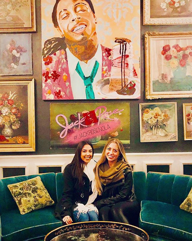 When the artwork on the wall is badass, you take the damn pic! @sarahsorapuru 🤣 oh and @ashleylongshoreart you're my spirit animal 🎉 . . . #liltunechi @jackrosenola #neworleans #nolaeats #popart #hellsyes 🔥#basicbitchpic #iloveit 🤣