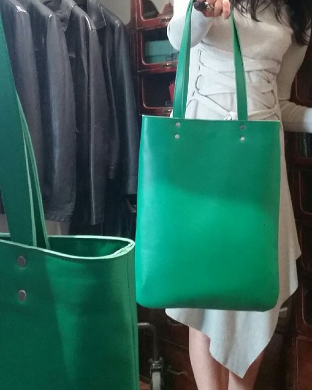 Georgia turns Verde#madeinmelbourne #leatherbags #custommade