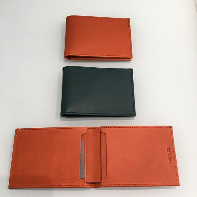 Ted Wallet back instore in splendid  autumn tones... Otis(burnt orange) &Bottle green!... Henry is also available in these beautiful tones too!... especially for our customers asking for more colour#slimwallet #handmade#madeinmelbourne