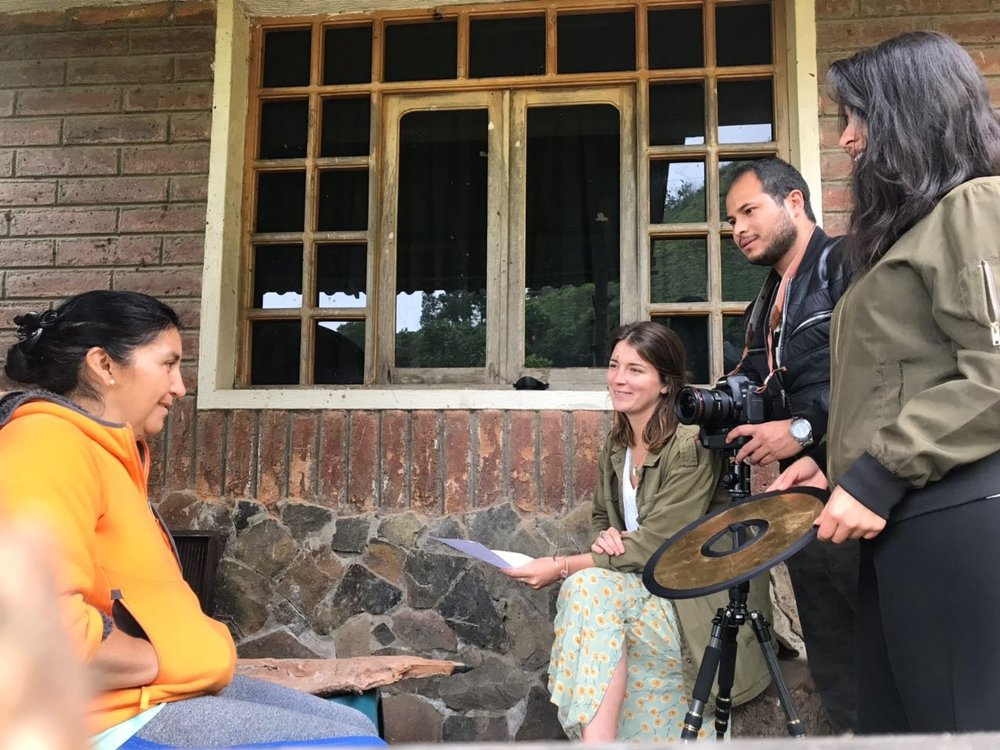 Emily interviewing a member of the Floras de Choco