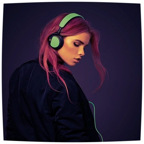 """HOW TO TALK TO A GIRL WEARING HEADPHONES  CAST SIZE: 3  (2M, 1F)   How do you talk to a girl wearing headphones?  Start a podcast.   In this millennial twist on the classic romantic comedy """"meet cute,"""" a guy meets a girl wearing headphones.    PRODUCTION HISTORY:   2017 -Shovel Town 10-Minute Play Festival (North Easton, MA)  2017 - PCM Theatre, Life is Strange II short play festival (Hamilton, NJ)  2017 - Short Attention Span Theatre (Chestertown, MD)  2017 - Oakville Players, TOP TEN: A Ten Minute Play Festival (Ontario, CANADA)  2017 - Liberty Lake Theatre, One Act Festival (Liberty Lake, WA)  2017 - Dark Night Players (Allen, TX)  2016 - Britches and Hose Theatre Company (Fairfax, VA)   DEVELOPMENT HISTORY:   2017 - Reading , Itinerant Theatre, Coffee Shop Theater (Lake Charles, LA)  2017 -  Staged Reading , Black Coffee Productions, Fresh Grind Festival (NYC)"""