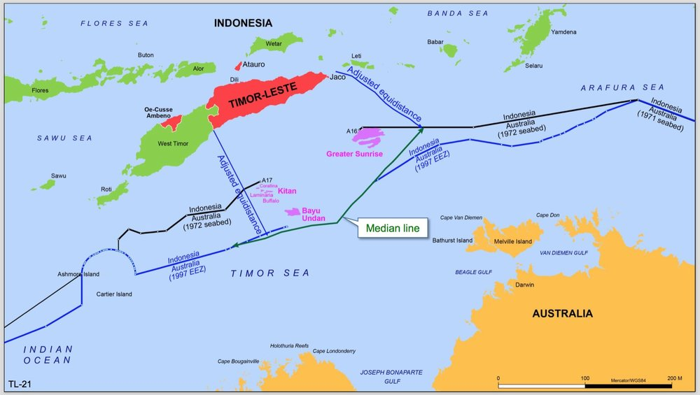 What Timor reckons it would get with the application of international law. The border expected with Australia is the green line.