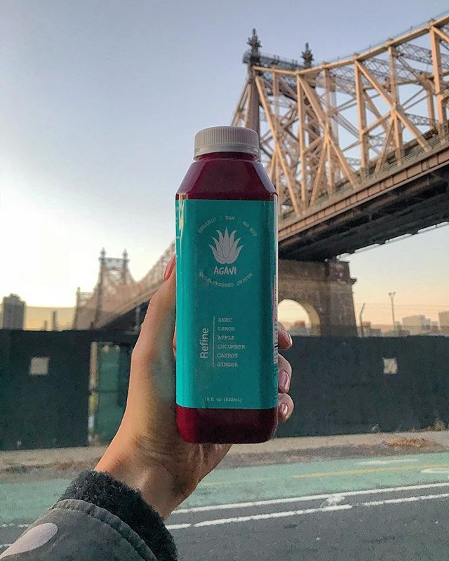 💚 We're just over the bridge... PC 📸 @gddssathena Don't let the idea of traveling stop you from getting your 1 Day Juice Cleanse on NYC 📲 Visit our website to see if we deliver to your workspace | link in bio 🍃 Catering for ALL occasions! 🏳️‍🌈 Proudly serving organic juices & acai bowls daily . . AGAVI JUICE | NYC #agavijuice 💚 #agavinyc #agavi #nyc #newyorkcity #eastvillage #acaibowls #freshjuice #healthyeats #cleaneating #juicecleanse #acai #nyceats #nycfoodie #eastcoastfoodies #foodbabyny #fitness #usdaorganic #juicebar #wellness #juicedetox #health #organic #coldpress #foodie #manhattan