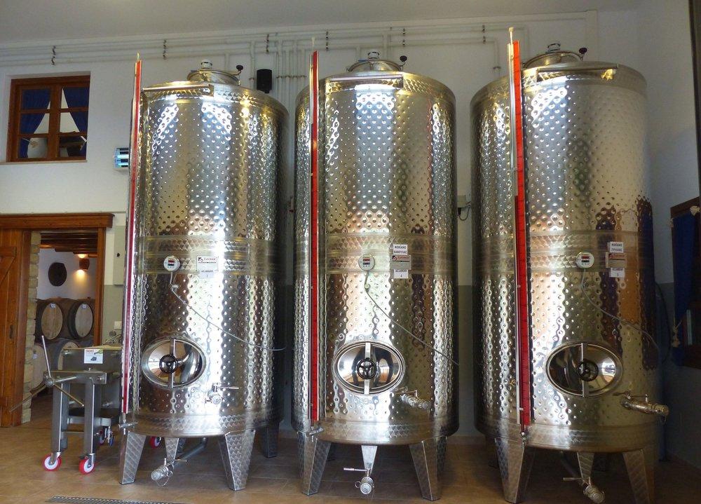 lipsi winery vats