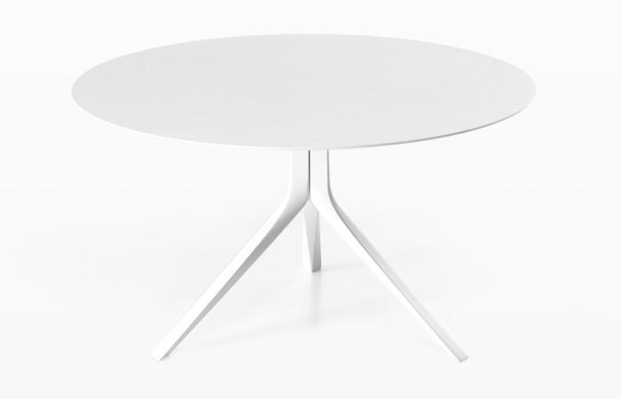 Dette Italienske bordet er særdeles elegant, og finnes rundt i størrelse 120 cm, 140, cm og 160 cm, med platetopp i hvit eller matt sort.