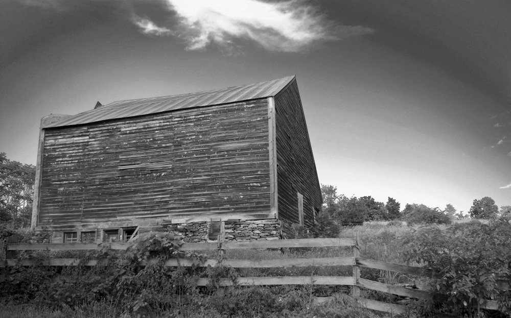 farmhouse_rhineb.bw_crop.jpg