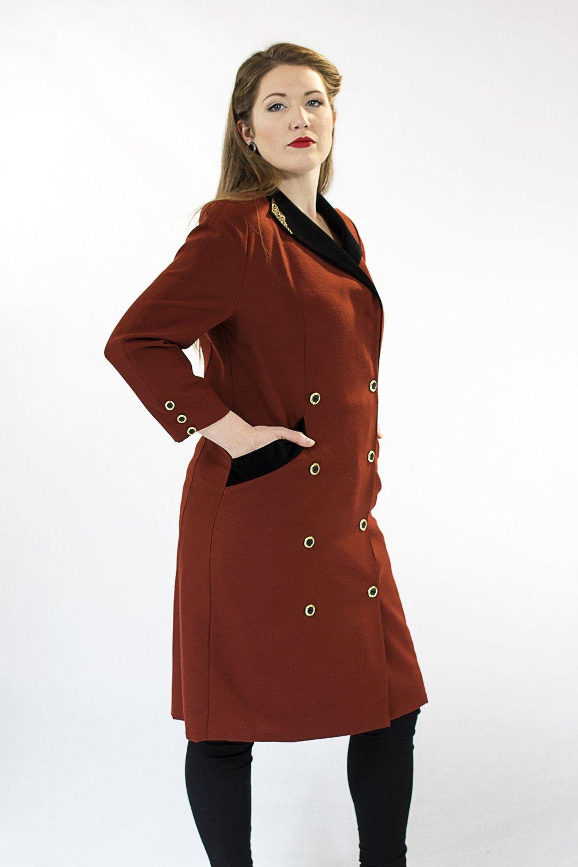 jenny stafford (soprano) wears item 24: elegant coat by franco di tardo, firenze