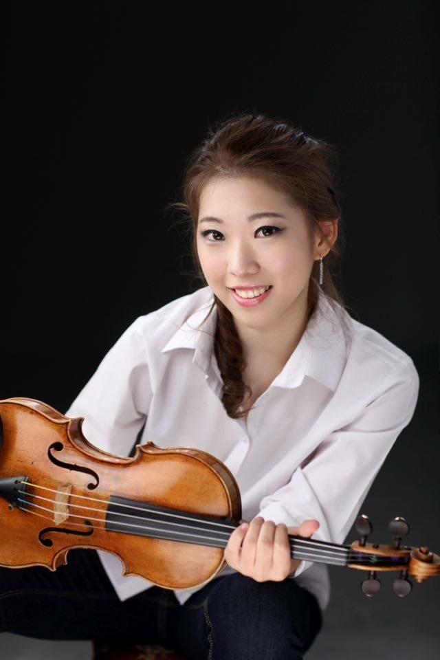 julia hwang .jpg