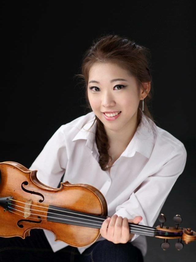 julia hwang violin 2 .jpg