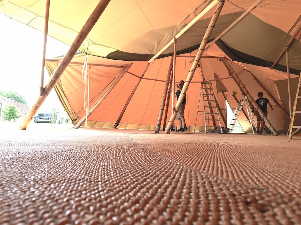 tipi_carpet_close-up.jpg