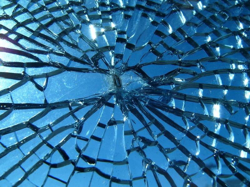 broken mirrot.jpg