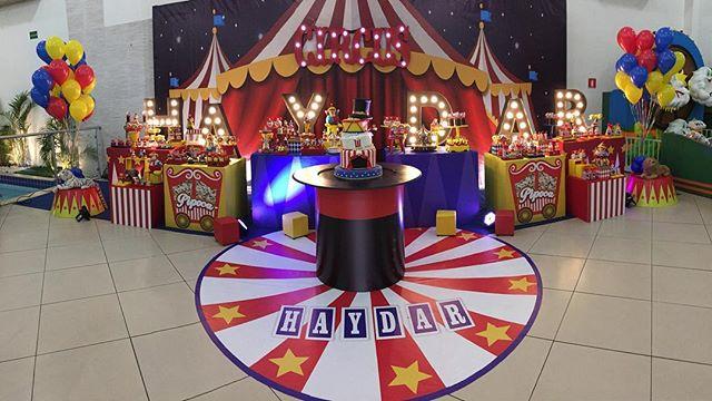 🎪 Hoje tem circo? Tem sim senhor!!! Para o Haydar em super @buffetarrelia  Com @adrianabiartescriacoes  @giseletrix