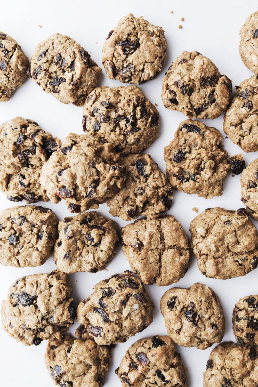 oatmeal raisin cookie 1small.jpg