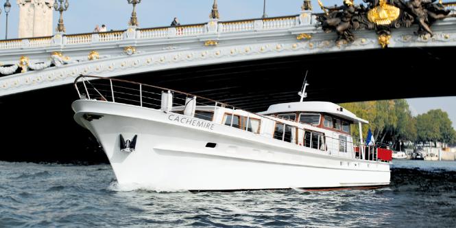 elope paris boat