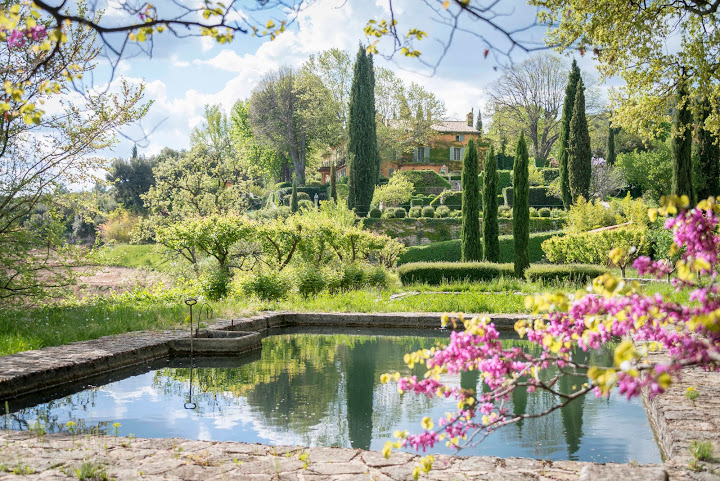 stunning wedding venue provence